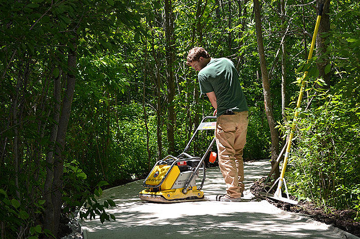 WP1550AW compacting traffic bond for nature path