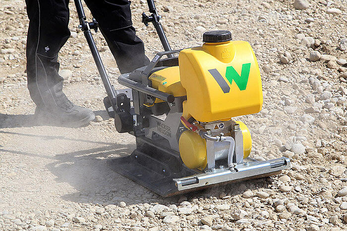 AP1850e in action - emission-free compaction
