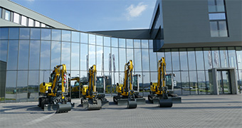 [Translate to Swedish:] Wacker Neuson Competence center for excavators in Linz